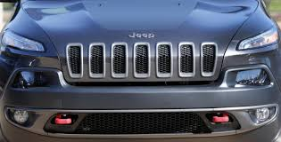 jeep front grill fiat chrysler bets on jeep alfa revamp to go global