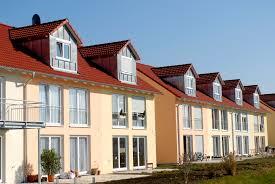 Einfamilienhaus Reihenhaus Reihenhaus Vorteile Und Nachteile 11880 Immobilienmakler Com