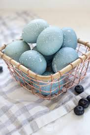 easter dying eggs how to dye easter eggs with blueberries freutcake
