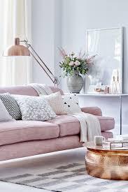 sofa rosa 20 salas sofá rosa constance zahn living rooms room and