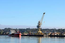 chambre de commerce de bayonne deux grues supplémentaires au port de bayonne qui se développe aqui