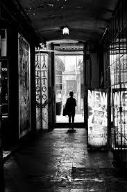fernando pessoa bureau de tabac lisbonne un photographe sur les pas de pessoa entr 2 rues magazine
