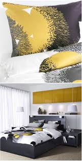 Very Small Bedroom Ideas With Queen Bed Best 20 Comforter Storage Ideas On Pinterest Teen Room Colors