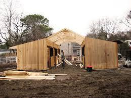 Mini Barns Michigan How To Build A Horse Barn On A Budget Jpg 600 450 Horse