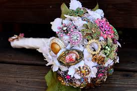 vintage bouquets bridal bouquets vintage wedding ideas 1