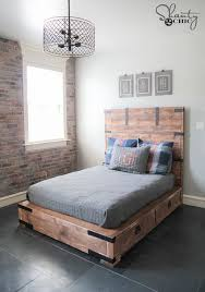 Diy Platform Queen Bed With Drawers by Best 25 Queen Size Beds Ideas On Pinterest Rug Placement