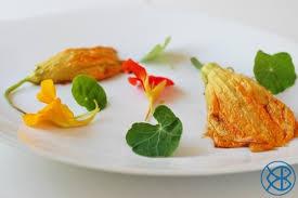 cuisiner fleurs de courgettes recette gastronomique fleurs de courgettes farcies à la ricotta et