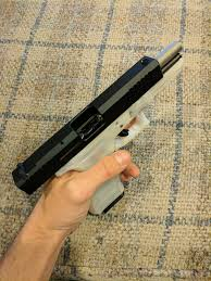 A Translucent 22 Glock Weaponsman