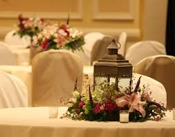 Lanterns With Flowers Centerpieces by 18 Best Lantern Centerpieces Images On Pinterest Lantern
