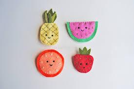 fruity felt brooches sewing pattern iris