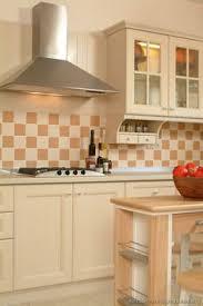 Antique Kitchen Design Traditional Two Tone Kitchen Cabinets 03 Kitchen Design Ideas