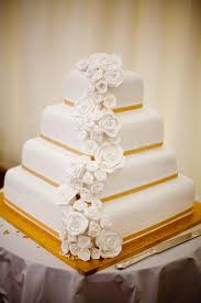 classic wedding cakes bridal wedding expos what do i look for in a wedding cake