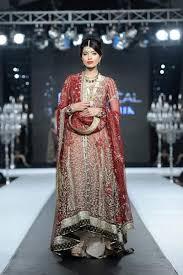 famous dress designers in pakistan