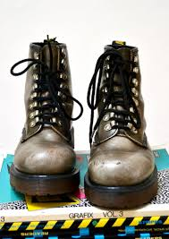 dr martens womens boots size 9 amazing 90s dr martens boots size 8 1 2 9 silver metallic