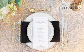 how many place settings a formal place setting