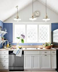 cuisine cottage ou style anglais cottage kitchen succumb to the charm of the style