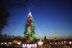 eiffel tower christmas lights 10 must visit places in paris during christmas