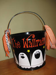personalized halloween buckets de la design more personalized halloween trick or treat buckets