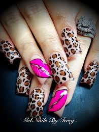 neutral color with leopard and pink lips gels by terry