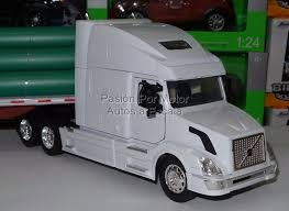 kenworth canadiense 1 32 volvo vn 780 con plataforma tubos de new ray trailer