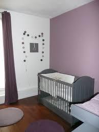 chambre bébé fille violet chambre fille beige et mauve decoration bebe enfant blanc moderne d
