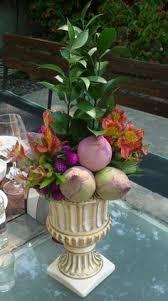Traditional Flower Arrangement - makingahouseahome a low center flower arrangement for a non