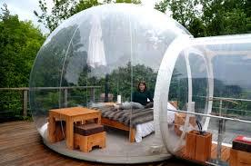 bulle chambre hébergement insolite dormir dans une bulle transparente