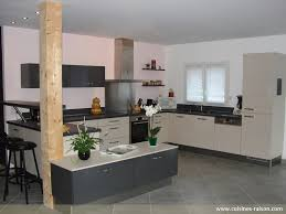 cuisine au milieu de la cuisine au milieu de la 7 maison design bahbe com systembase co