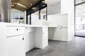 mobilier de bureau grenoble aménagement de l accueil pilsi grenoble en solid surface v korr