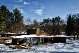 frank lloyd wright architectural style with simple soapstone