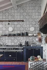 carrelage noir et blanc cuisine carreau cuisine mural pour decoration cuisine moderne unique