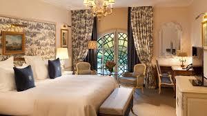 chambre deluxe auberge du jeu de paume chantilly chambre deluxe avec vue