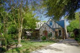 Ivy And Stone Home On Instagram Tudor Revival In Old West Austin Asks 800k Curbed Austin