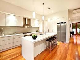 cuisines blanches et bois ilot central blanc cuisine blanche ilot en image avec central ilot