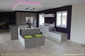 cuisine en couloir superbe cuisine avec ilot central et coin repas 9 cuisine couloir