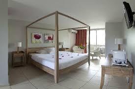 chambre baldaquin chambre lit baldaquin photo de hôtel la pagerie trois ilets