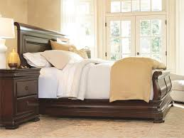universal furniture reprise sleigh bed king