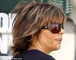 how does lisa rinna fix her hair lisa rinna steps out with badly applied blotchy fake tan daily
