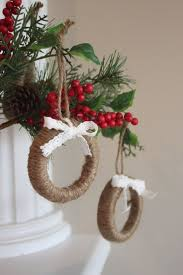 Shabby Chic Christmas Tree by Best 20 Rustic Christmas Tree Decorations Ideas On Pinterest