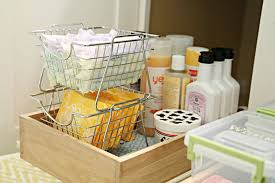 organizing bathroom ideas iheart organizing monthly organizing challenge organizing