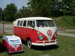volkswagen minibus 1964 vw bus lovers flock to national convention in michigan
