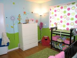 lovely small baby girls bedroom decor ideas with green patterned