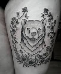 tiny grizzly bear for angelika tattoo artist adrià de yzaguirre