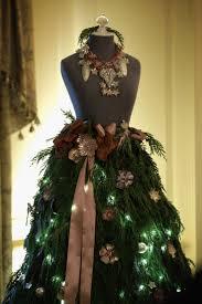 138 best christmas mannequin images on pinterest christmas tree
