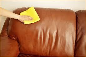 nettoyer canapé cuir noir nettoyer canapé cuir noir effectivement truc de grand m re pour