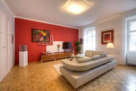 Wohnzimmer Deko In Gr Grüne Wohnideen Kissen Passend Zur Tapete Frische Farben Im