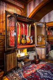 How To Build A Guitar Cabinet by Best 25 Guitar Display Ideas On Pinterest Guitar Room Guitar