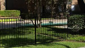 man drowns in dallas swimming pool story kdfw