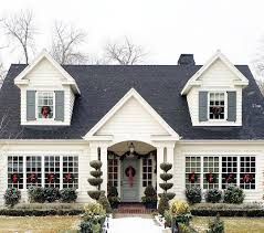 Cape Cod Style Homes Interior by Drove By This Pretty House Today I U0027m Certain It Belongs On A
