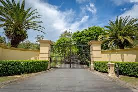 villa cervi studio apartment advancetown australia booking com